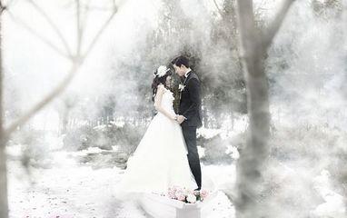 鬼泽夫妇婚纱照