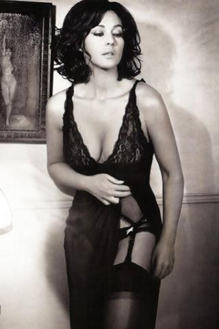 没什么比身体更美 莫妮卡-贝鲁奇