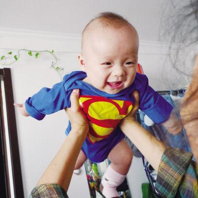 提醒:这样逗宝宝很危险